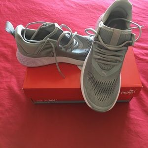 Puma size 7 adult sneakers